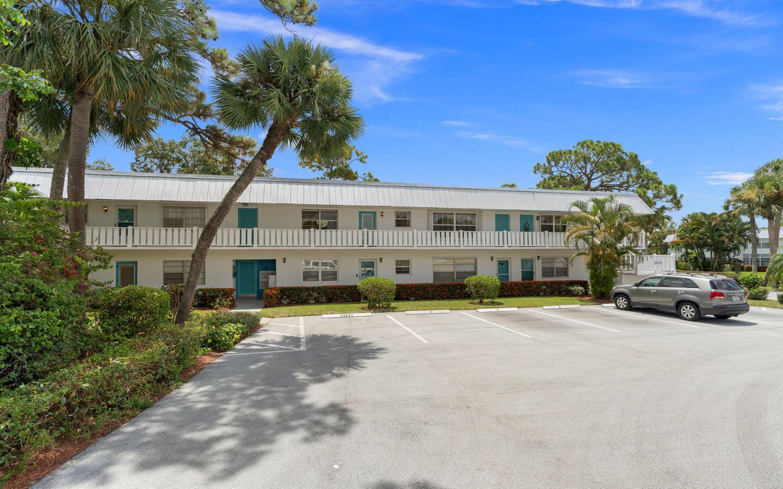 Photo of 2929 SE Ocean Boulevard #103-8, Stuart, FL 34996 (MLS # RX-10734293)