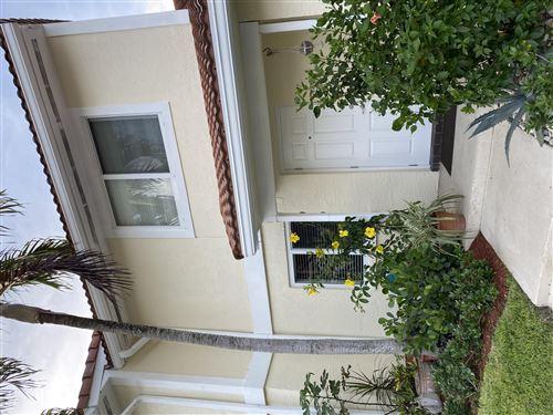 Foto de inmueble con direccion 6351 Walk Circle Boca Raton FL 33433 con MLS RX-10634294