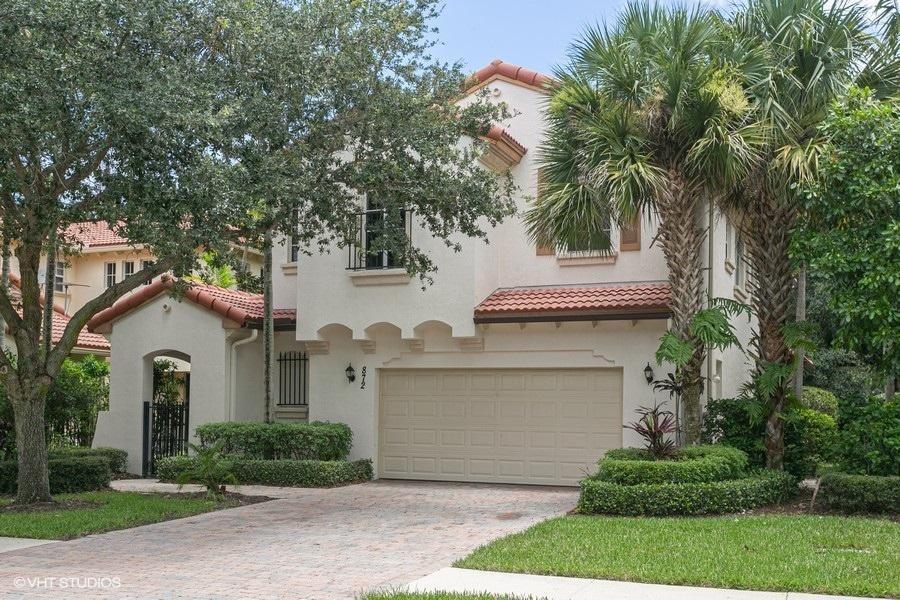 Photo of 872 Taft Court, Palm Beach Gardens, FL 33410 (MLS # RX-10691294)