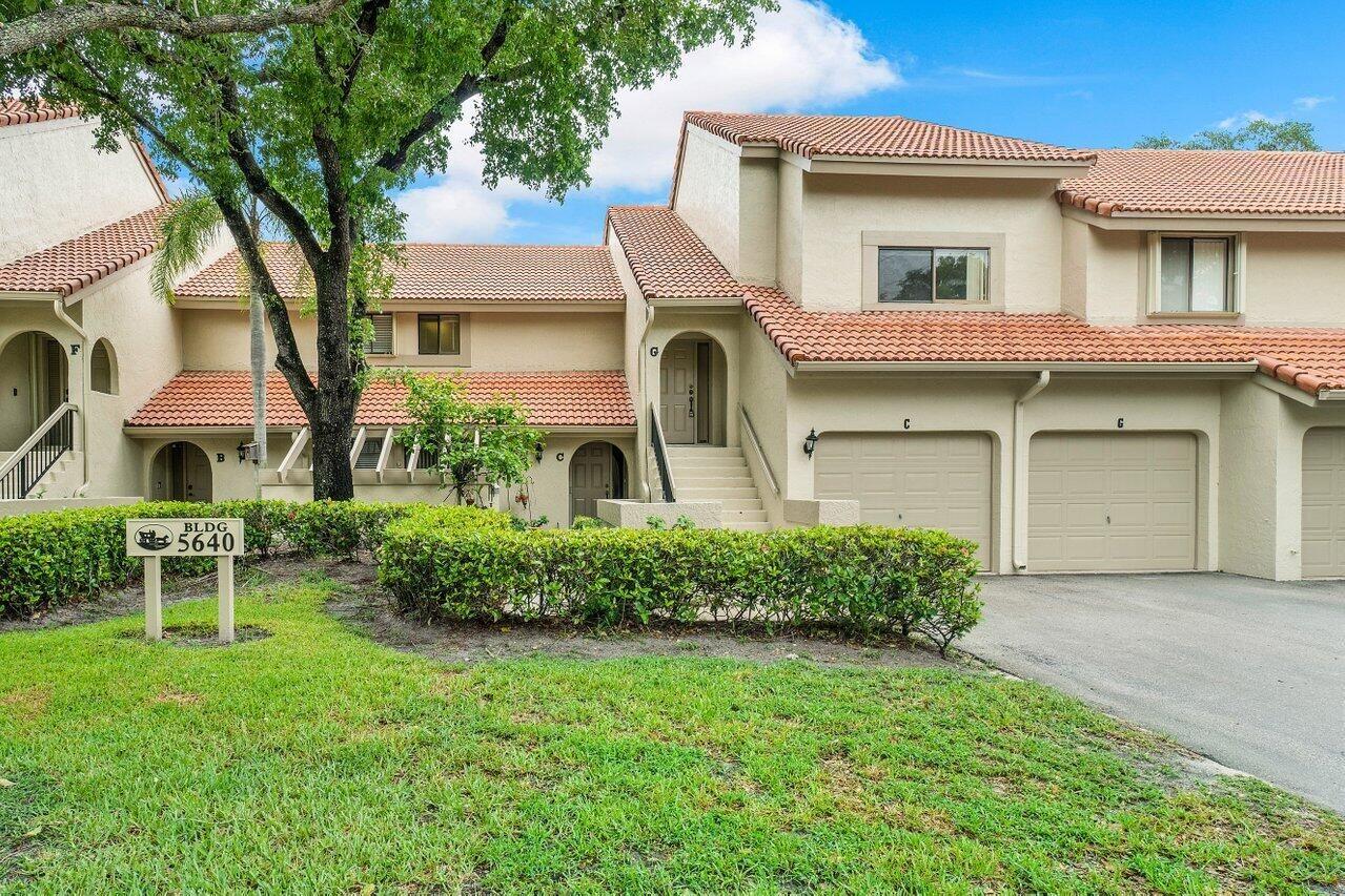 Photo of 5640 Coach House Circle #G, Boca Raton, FL 33486 (MLS # RX-10725296)