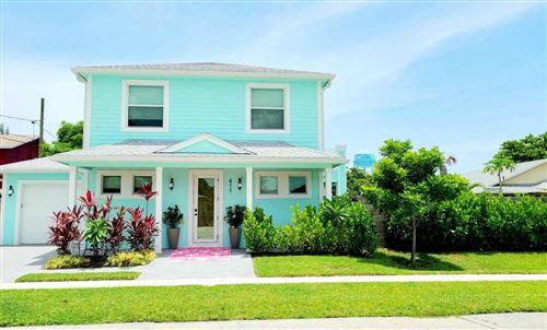Photo of 411 SW 5th Avenue, Delray Beach, FL 33444 (MLS # RX-10733305)