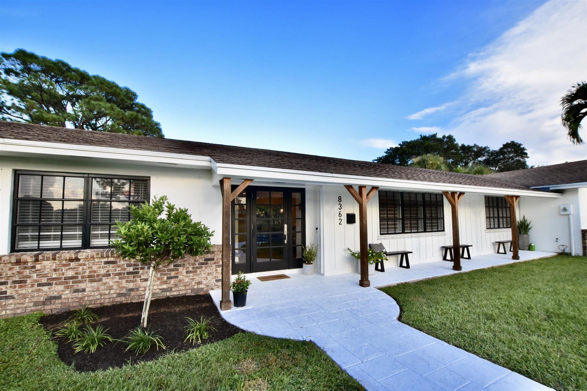 Photo of 8362 Kelso Drive, Palm Beach Gardens, FL 33418 (MLS # RX-10746307)