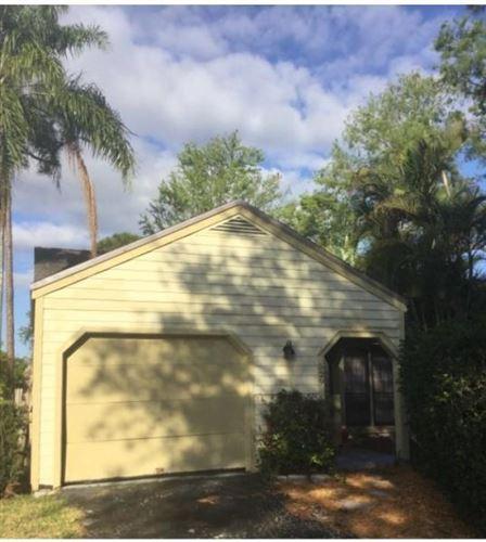 Photo of 529 Golden Wood Way, Wellington, FL 33414 (MLS # RX-10612311)