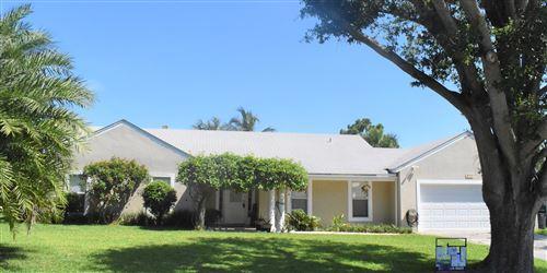 Photo of 8735 SE Se Bahama Cir Circle, Hobe Sound, FL 33455 (MLS # RX-10636315)