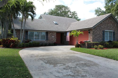 Photo of 47 Hickory Hill Road, Tequesta, FL 33469 (MLS # RX-10700315)
