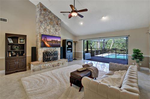 Photo of 18302 River Oaks Drive, Jupiter, FL 33458 (MLS # RX-10615316)