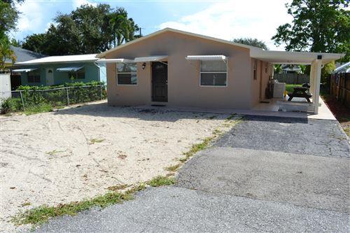 Photo of 705 N Loxahatchee Drive, Jupiter, FL 33458 (MLS # RX-10747316)