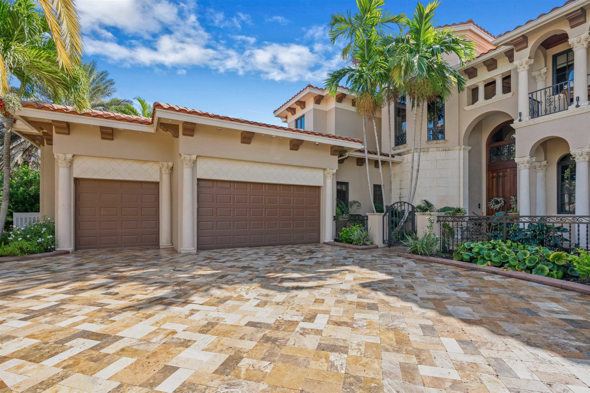 Photo of 129 Commodore Drive, Jupiter, FL 33477 (MLS # RX-10667321)