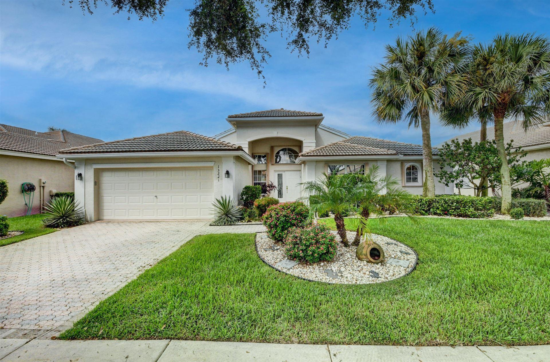 Photo of 13221 Alhambra Lake Circle, Delray Beach, FL 33446 (MLS # RX-10746321)