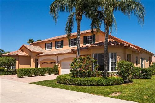 Photo of 32 Monterey Pointe Drive, Palm Beach Gardens, FL 33418 (MLS # RX-10603322)