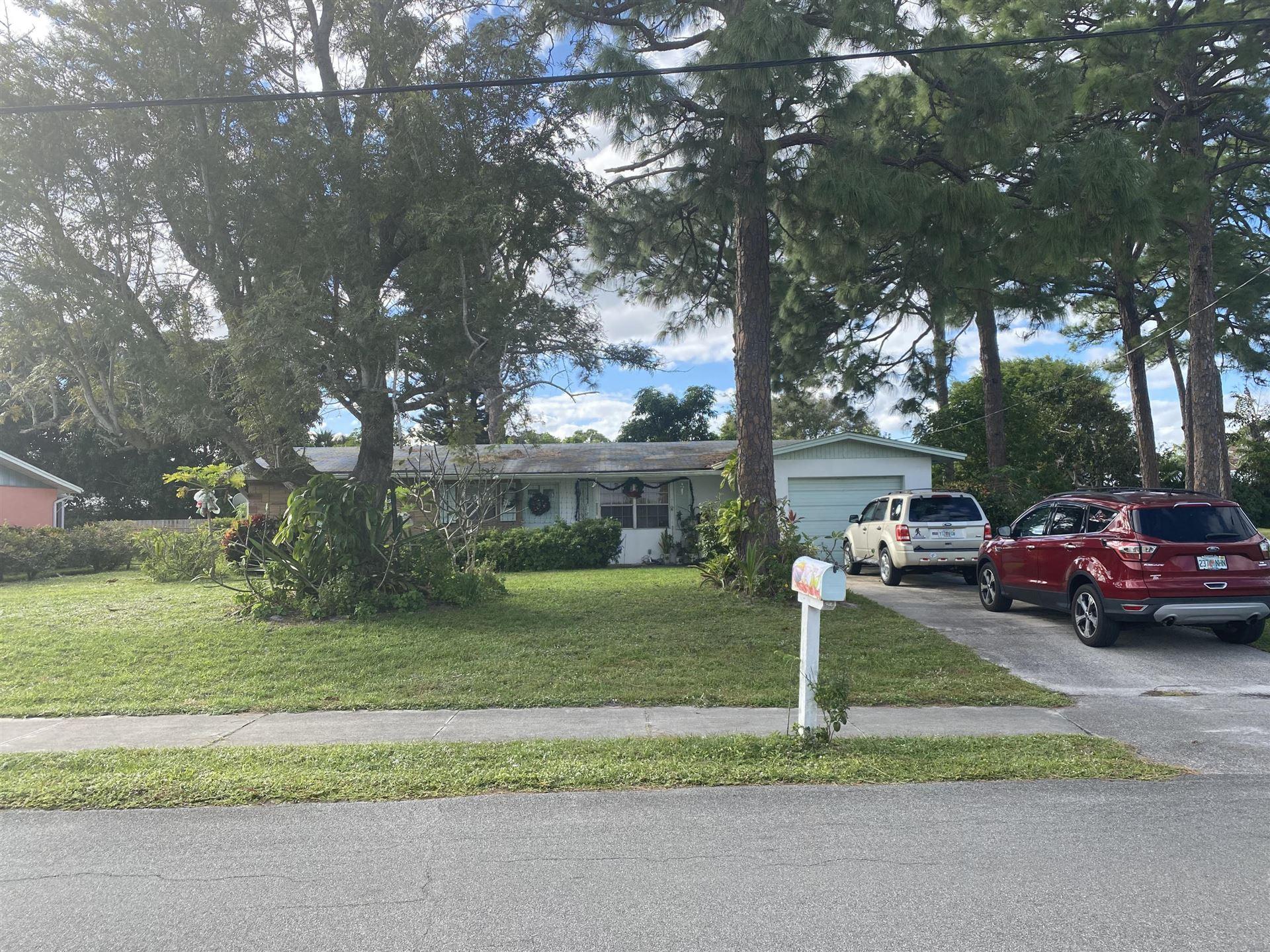 Photo of 1302 SE Madison Avenue, Stuart, FL 34996 (MLS # RX-10683323)