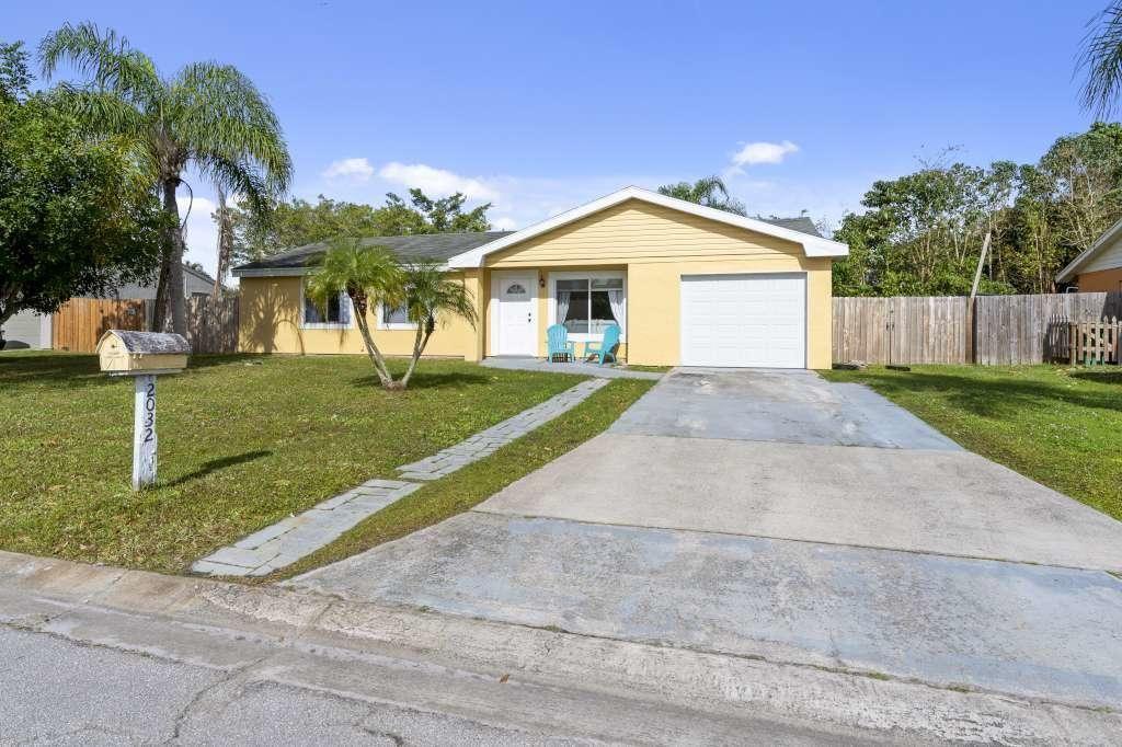 2032 SE Hideaway Circle, Port Saint Lucie, FL 34952 - #: RX-10705323
