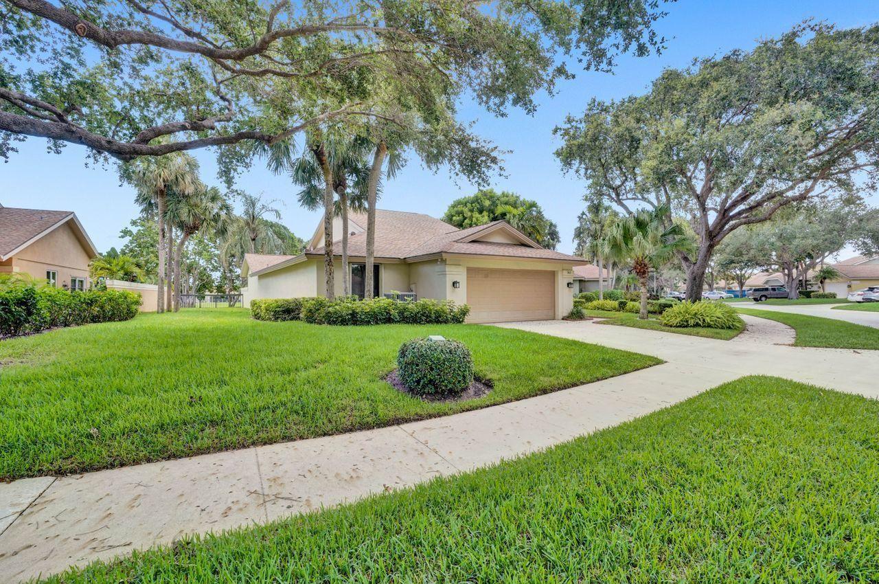 Photo of 161 Ocean Pines Terrace, Jupiter, FL 33477 (MLS # RX-10730325)