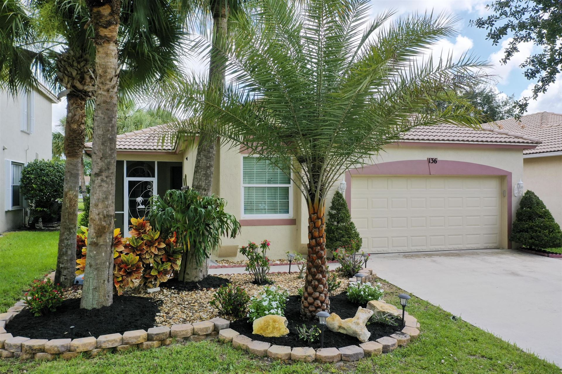 136 Seminole Lakes Drive, Royal Palm Beach, FL 33411 - #: RX-10633327