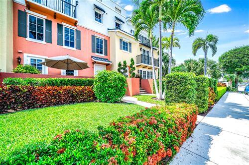 Photo of 62 SE 7th Avenue, Delray Beach, FL 33483 (MLS # RX-10709329)