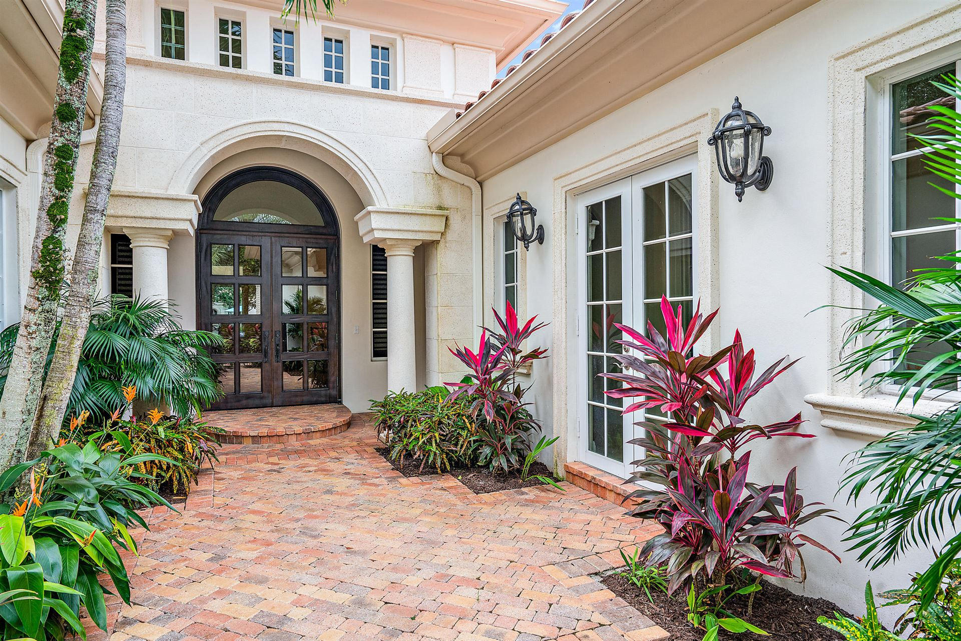 Photo of 11318 Caladium Lane, Palm Beach Gardens, FL 33418 (MLS # RX-10670330)