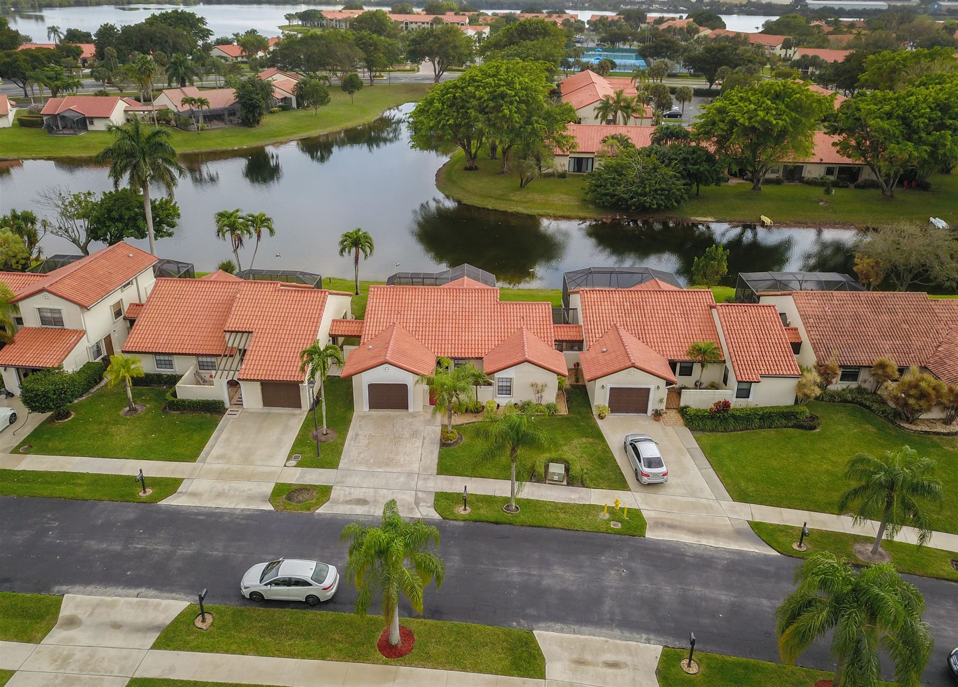 Photo of 10 Capitol Court, Deerfield Beach, FL 33442 (MLS # RX-10693330)