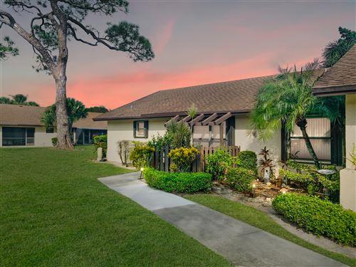 Photo of 25 Via De Casas Norte, Boynton Beach, FL 33426 (MLS # RX-10753331)