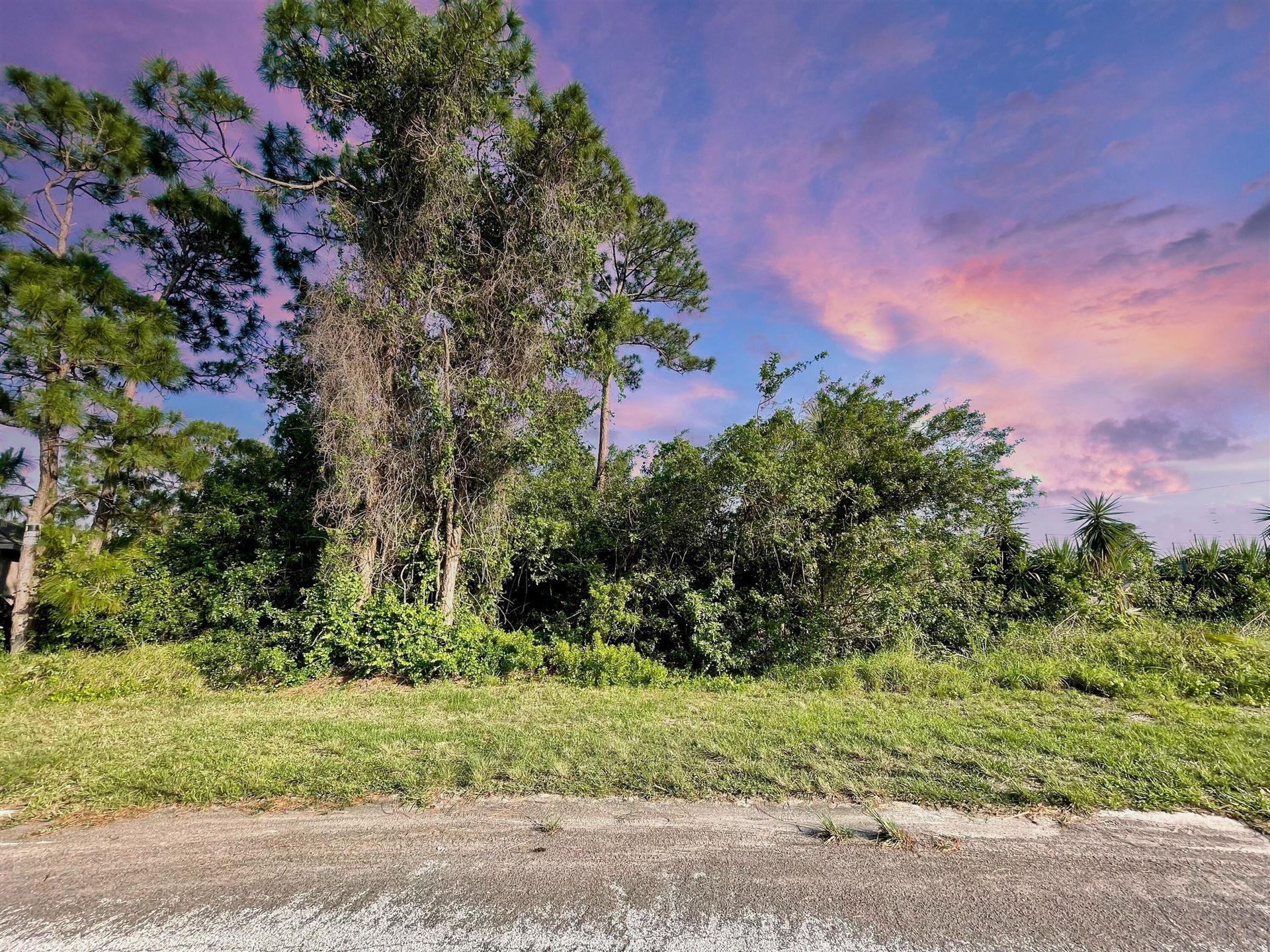 Photo of 113 Admiral Circle, Sebastian, FL 32958 (MLS # RX-10713331)