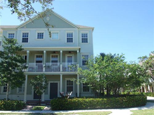 Photo of 356 W Thatch Palm Circle #107, Jupiter, FL 33458 (MLS # RX-10657333)