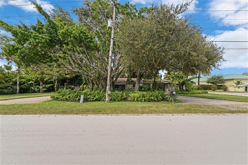 Photo of 4919 Ridgewood Road E, Boynton Beach, FL 33436 (MLS # RX-10752333)