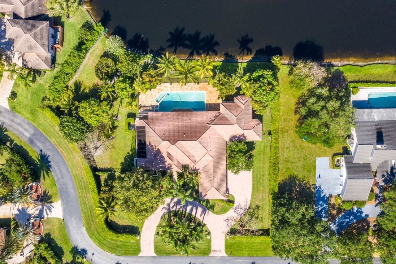 Photo of 17615 Fieldbrook Circle E, Boca Raton, FL 33496 (MLS # RX-10707335)