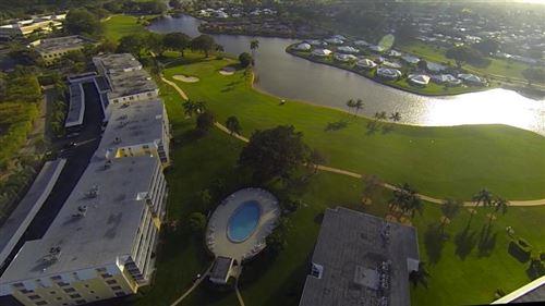 Foto de inmueble con direccion 250 John F Kennedy Drive #305 Atlantis FL 33462 con MLS RX-10615340
