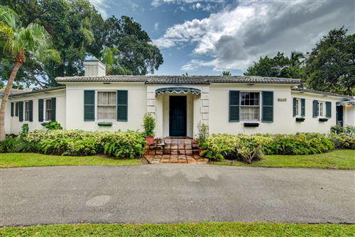 Photo of 800 W Fern Drive, Boca Raton, FL 33432 (MLS # RX-10746340)