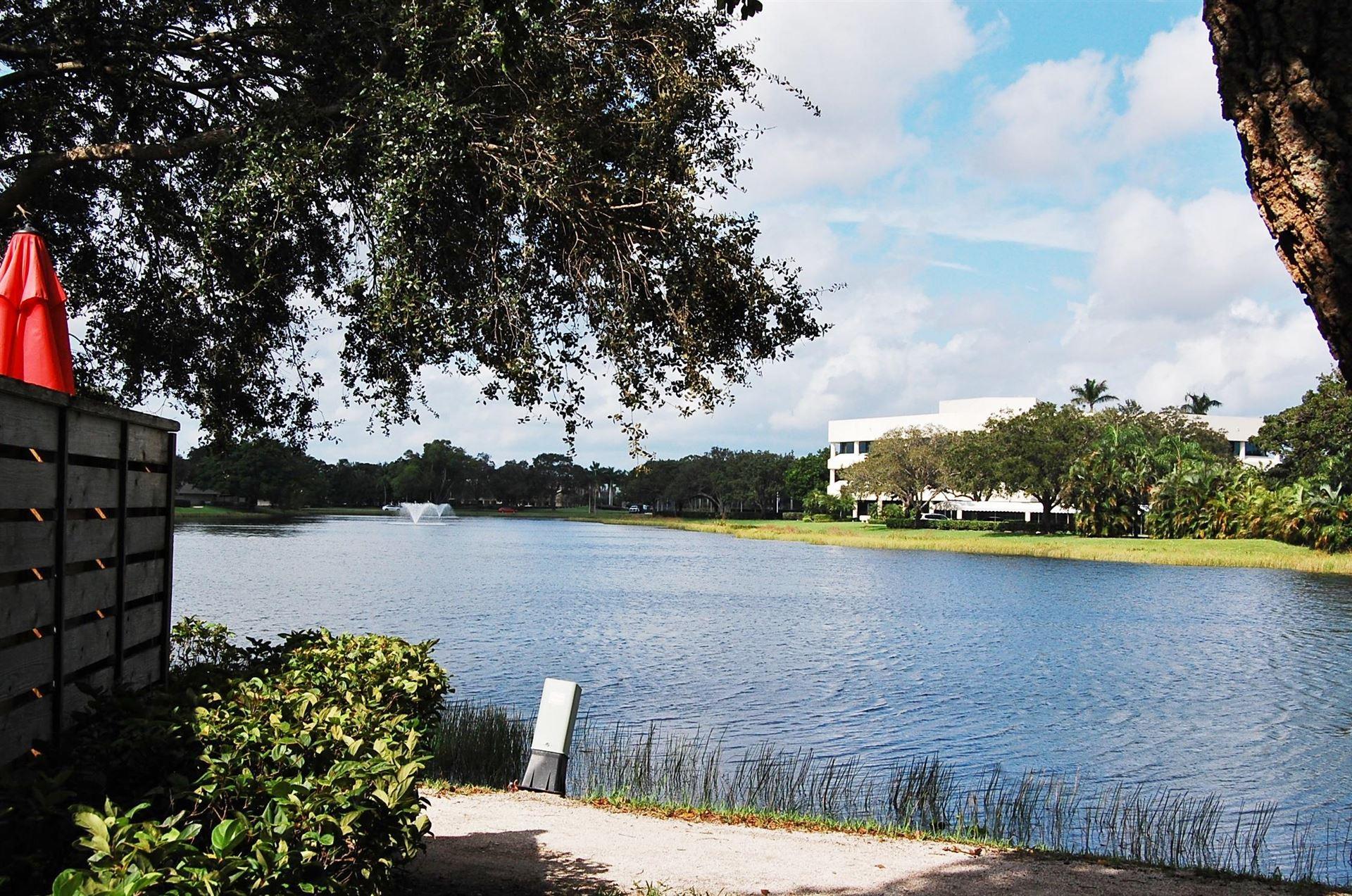 Photo of 813 8th Terrace, Palm Beach Gardens, FL 33418 (MLS # RX-10668343)