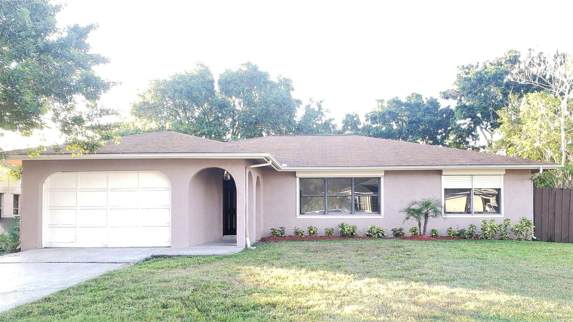 528 SE Greenway Terrace, Port Saint Lucie, FL 34983 - #: RX-10692344