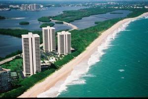 5510 N Ocean Drive #10 B, Singer Island, FL 33404 - #: RX-10652345
