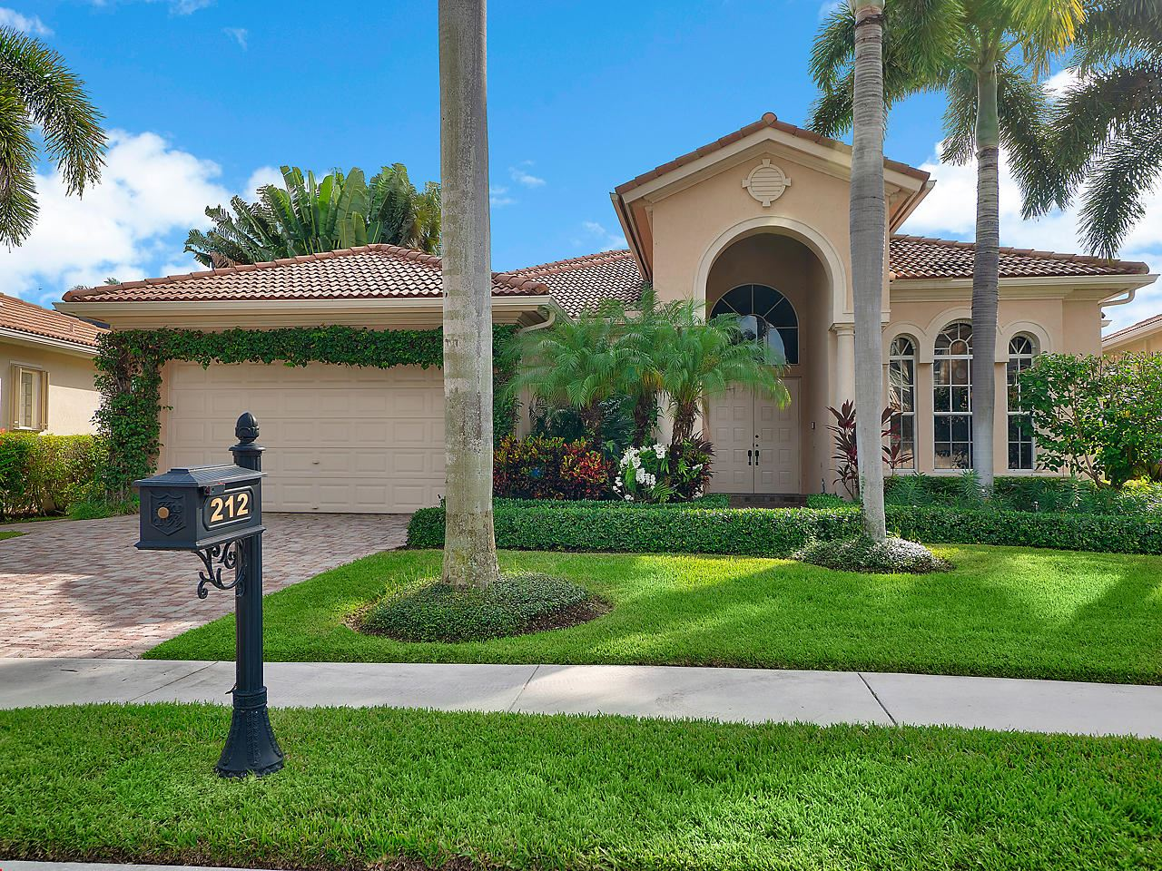 Photo of 212 Montant Drive, Palm Beach Gardens, FL 33410 (MLS # RX-10667348)
