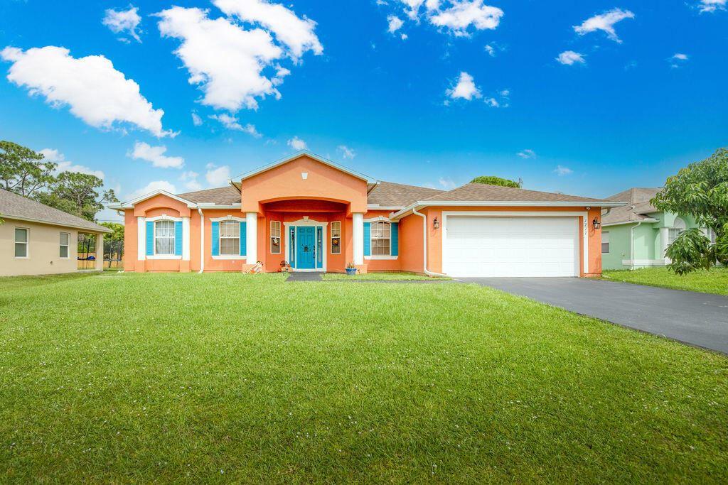 1717 SW Desert Avenue, Port Saint Lucie, FL 34953 - #: RX-10751348
