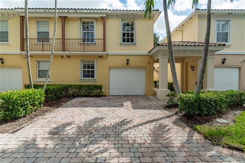 Photo of 184 Santa Barbara Way, Palm Beach Gardens, FL 33410 (MLS # RX-10752350)