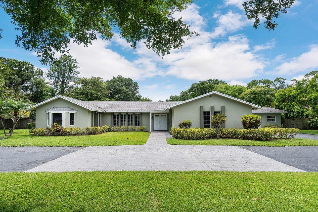 Photo of 8647 Kelso Drive, Palm Beach Gardens, FL 33418 (MLS # RX-10725352)