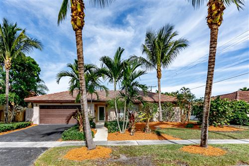 Photo of 915 SW 4th Street, Boca Raton, FL 33486 (MLS # RX-10583353)