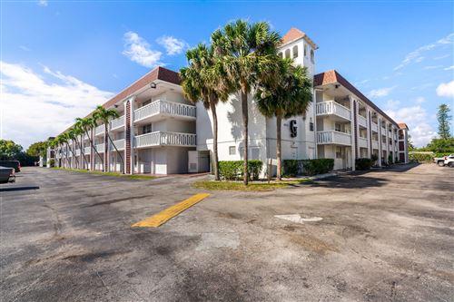 Photo of 400 SE 10th Street #215, Deerfield Beach, FL 33441 (MLS # RX-10704353)