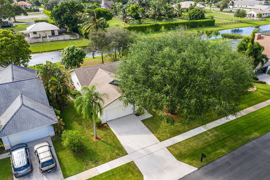 Photo 31 of Listing MLS rx-10568359 in 1741 Primrose Lane Wellington FL 33414