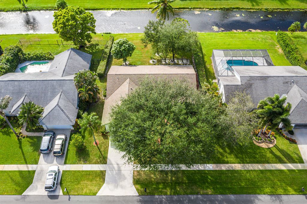 Photo 32 of Listing MLS rx-10568359 in 1741 Primrose Lane Wellington FL 33414