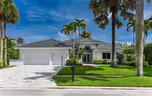Photo of 17576 Scarsdale Way, Boca Raton, FL 33496 (MLS # RX-10578360)