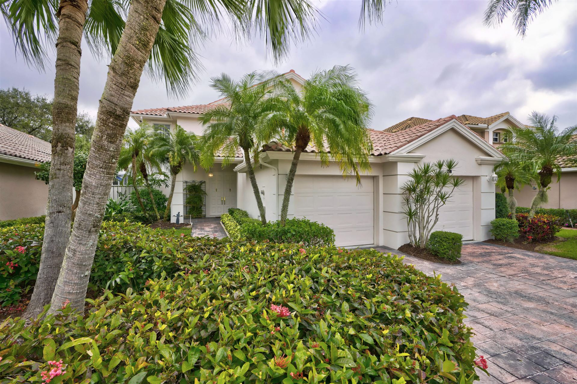 Photo of 711 Pinehurst Way, Palm Beach Gardens, FL 33418 (MLS # RX-10597362)