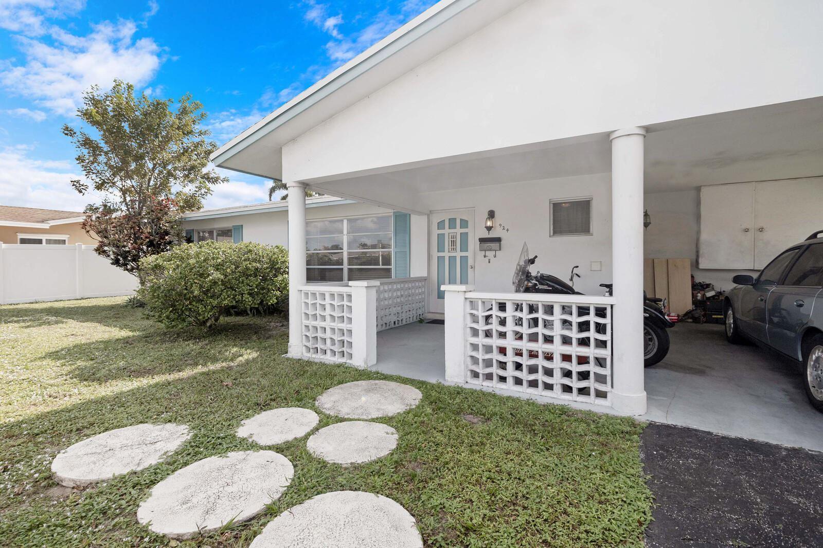 924 SE 10th Court, Pompano Beach, FL 33060 - #: RX-10674364