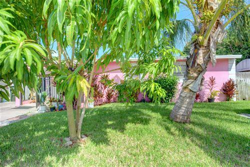 Photo of 917 SW 11th Avenue, Delray Beach, FL 33444 (MLS # RX-10746366)