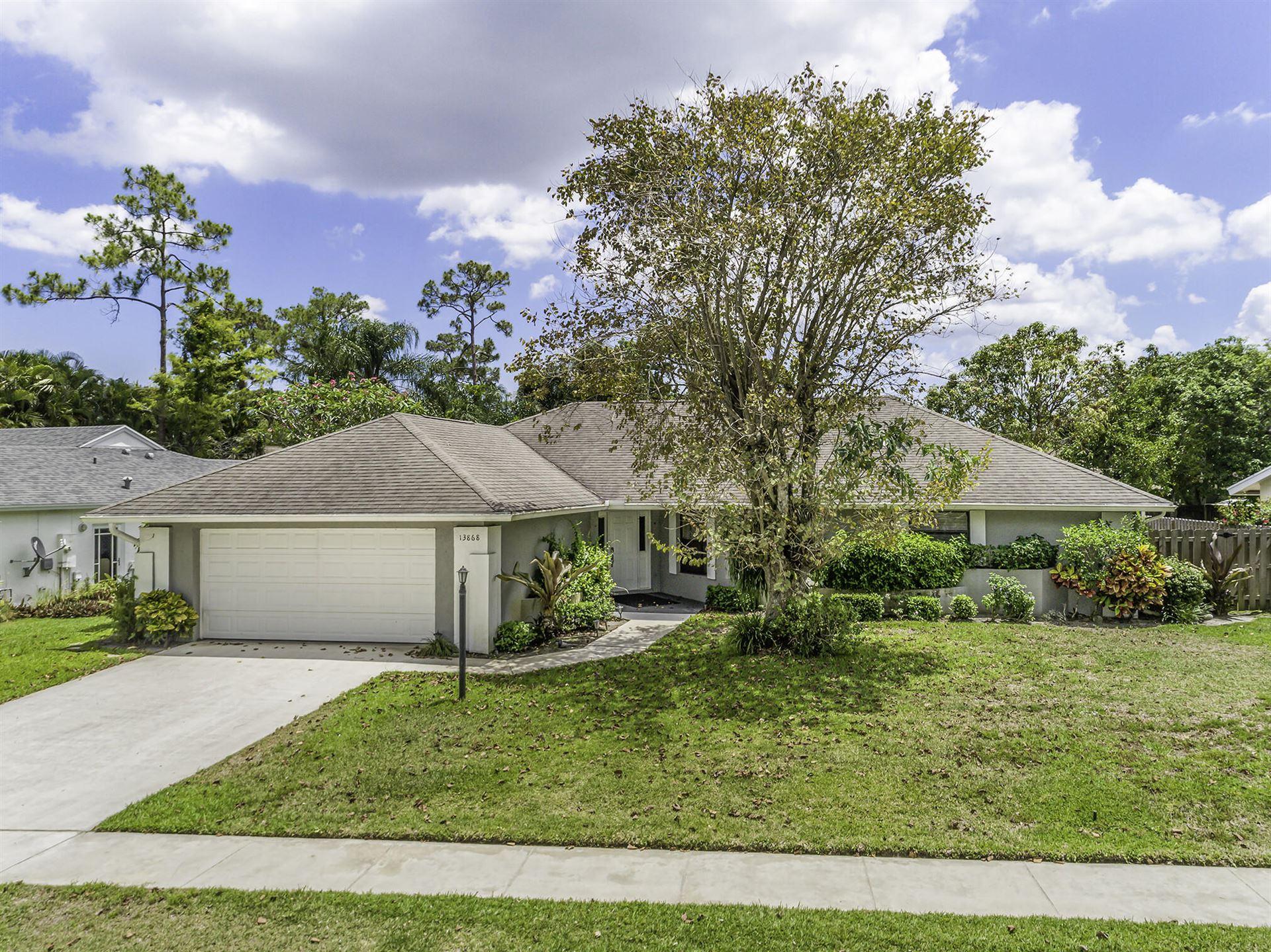 Photo of 13868 Barberry Drive, Wellington, FL 33414 (MLS # RX-10714366)