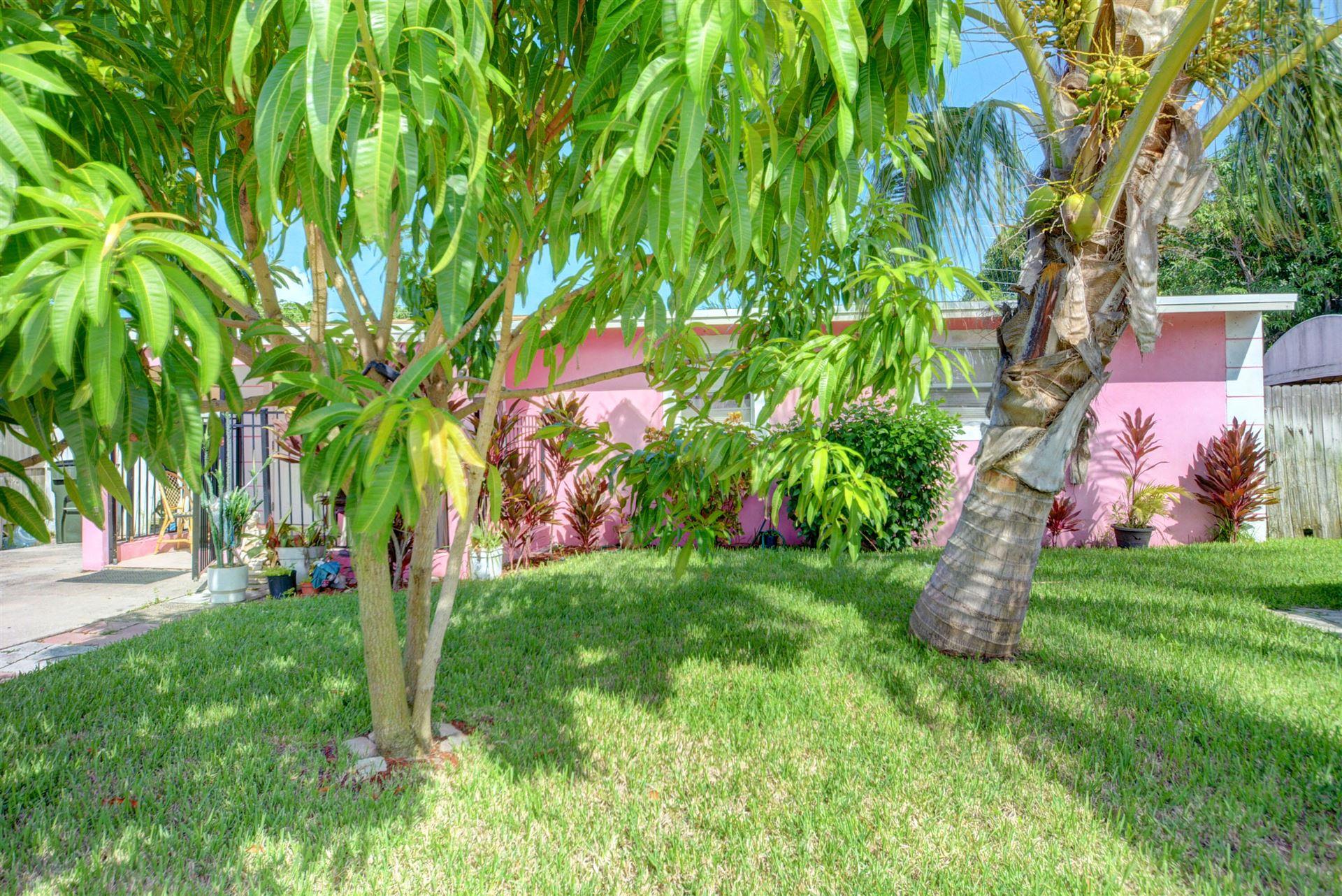 917 SW 11th Avenue, Delray Beach, FL 33444 - #: RX-10746366