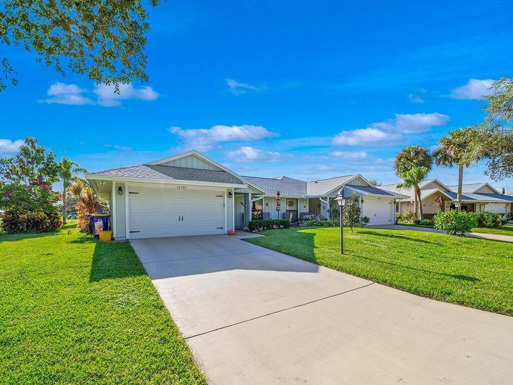 Photo of 12787 SE Pinehurst Court, Hobe Sound, FL 33455 (MLS # RX-10750366)