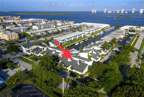 Foto de inmueble con direccion 118 Castlewood Drive #127 North Palm Beach FL 33408 con MLS RX-10598368