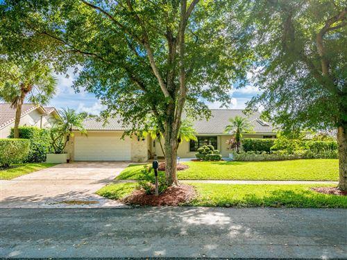 Photo of 264 Woodlake Circle, Deerfield Beach, FL 33442 (MLS # RX-10664369)