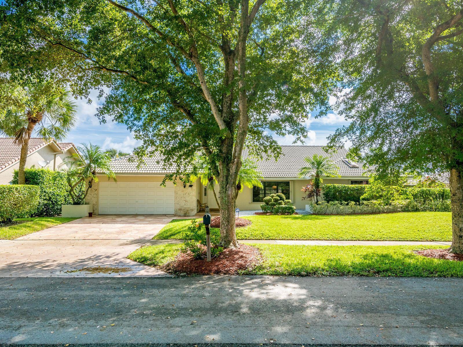264 Woodlake Circle, Deerfield Beach, FL 33442 - #: RX-10664369