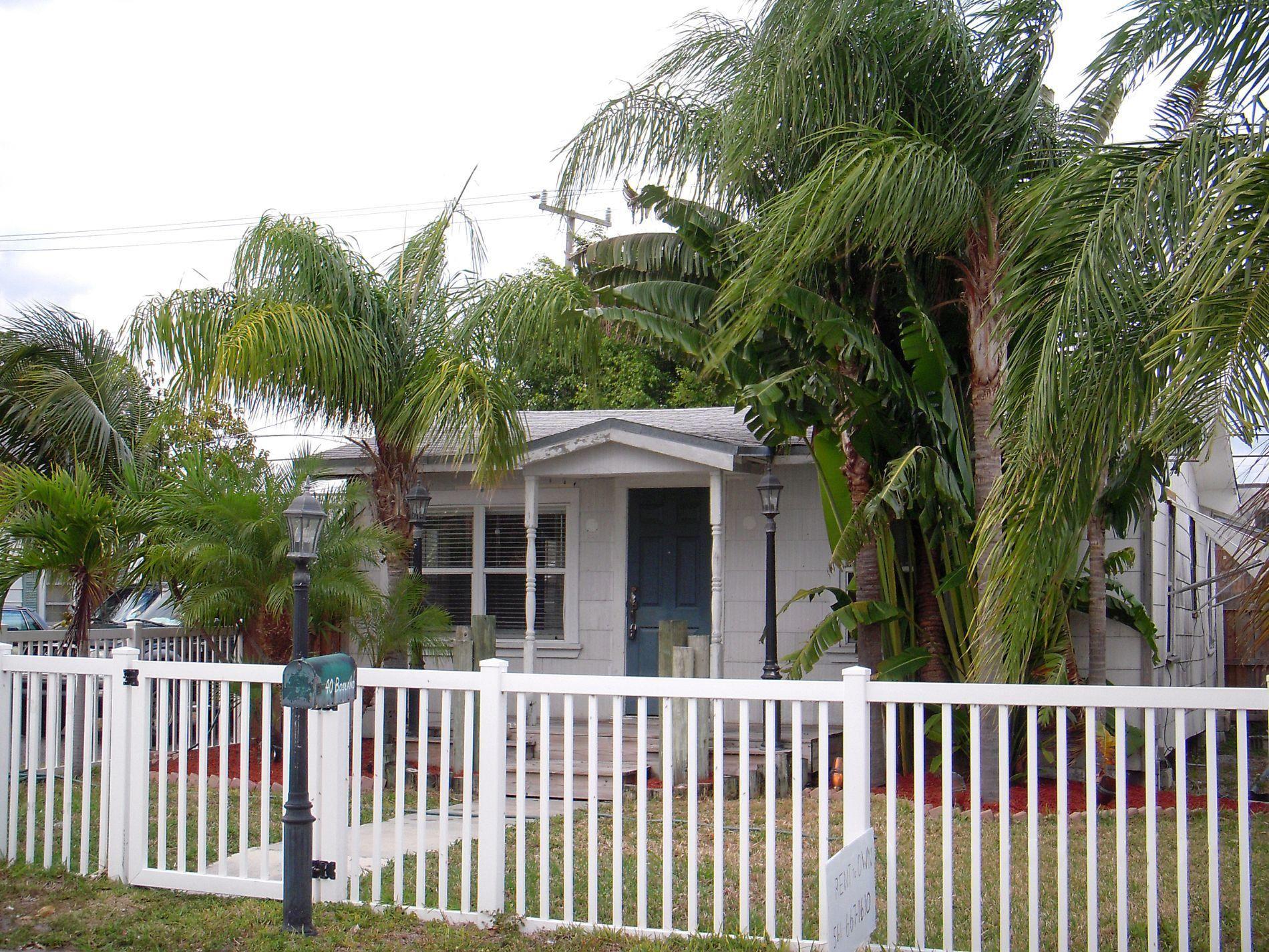 Photo of 40 E 25th Street, Riviera Beach, FL 33404 (MLS # RX-10648370)
